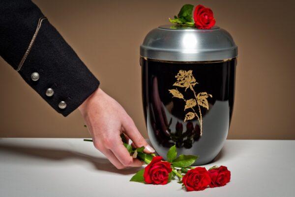 В чем преимущества кремации перед классическим захоронением?