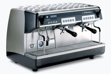 Кофемашина для кофейни: особенности выбора